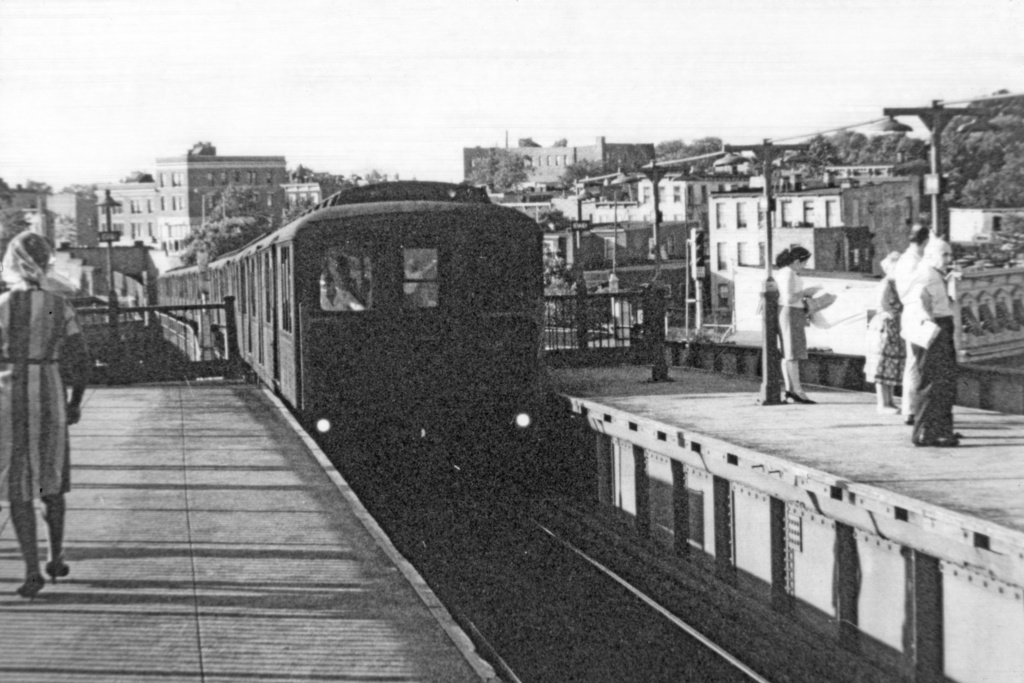 (285k, 1044x712)<br><b>Country:</b> United States<br><b>City:</b> New York<br><b>System:</b> New York City Transit<br><b>Line:</b> BMT Canarsie Line<br><b>Location:</b> Broadway Junction <br><b>Route:</b> LL<br><b>Car:</b> BMT A/B-Type Standard  <br><b>Collection of:</b> David Pirmann<br><b>Viewed (this week/total):</b> 1 / 2452