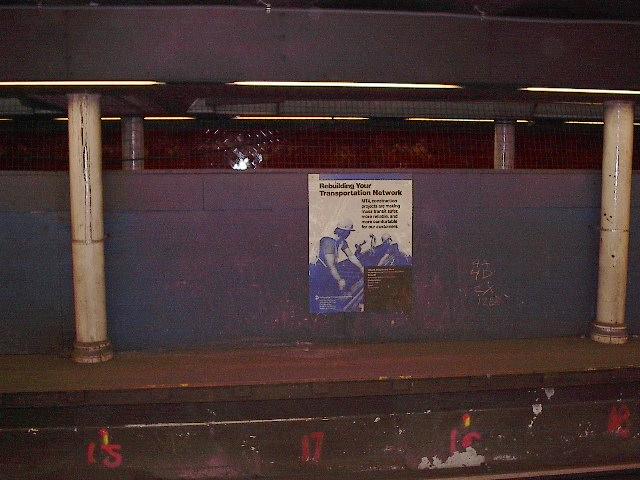 (85k, 640x480)<br><b>Country:</b> United States<br><b>City:</b> New York<br><b>System:</b> New York City Transit<br><b>Line:</b> IRT East Side Line<br><b>Location:</b> Bowling Green<br><b>Photo by:</b> Bruce Fedow<br><b>Date:</b> 11/17/2005<br><b>Notes:</b> Disused shuttle platform at Bowling Green.<br><b>Viewed (this week/total):</b> 0 / 4058