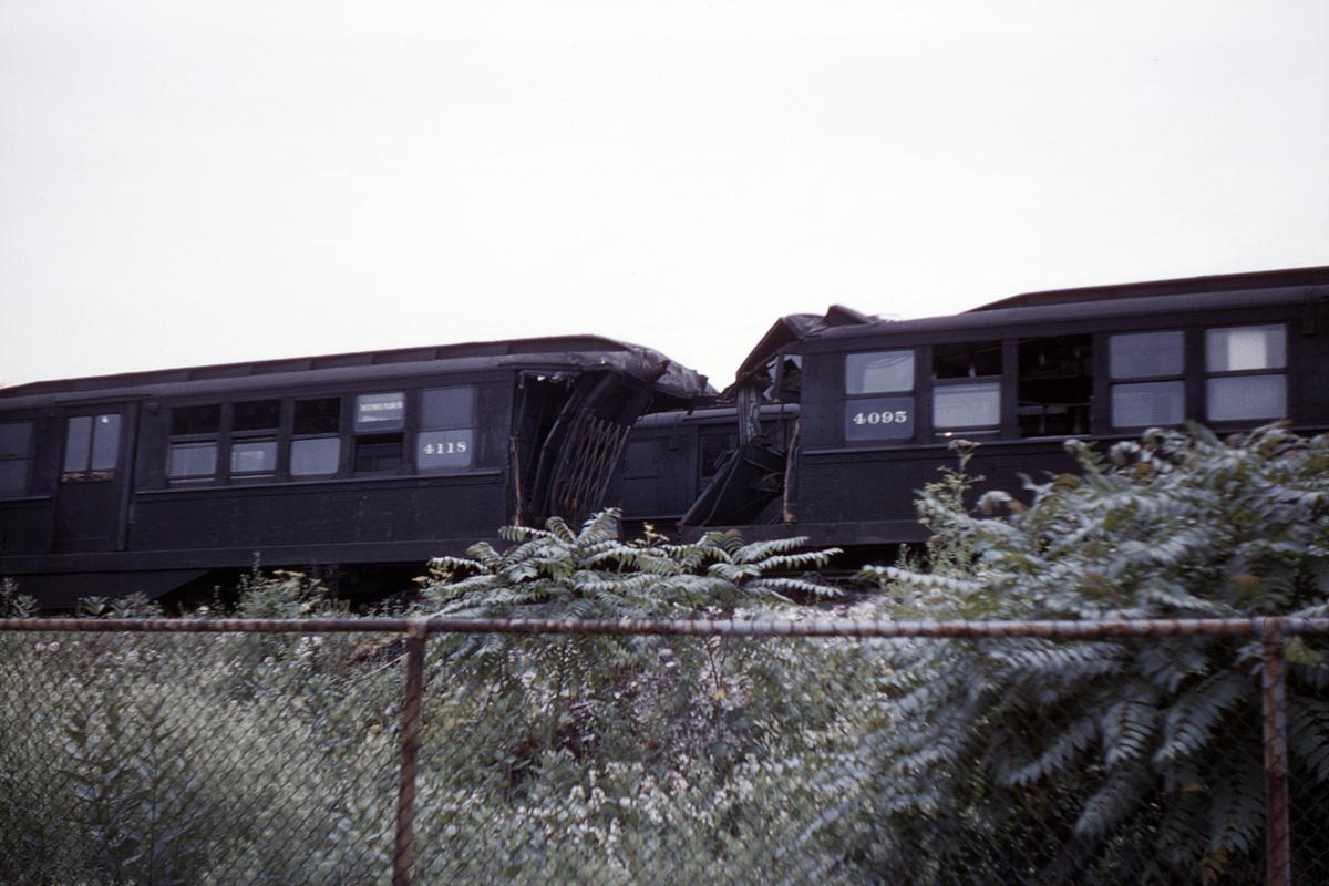 (357k, 1044x707)<br><b>Country:</b> United States<br><b>City:</b> New York<br><b>System:</b> New York City Transit<br><b>Location:</b> Livonia Yard<br><b>Car:</b> Low-V 4118/4095 <br><b>Collection of:</b> David Pirmann<br><b>Date:</b> 7/10/1960<br><b>Viewed (this week/total):</b> 5 / 4042