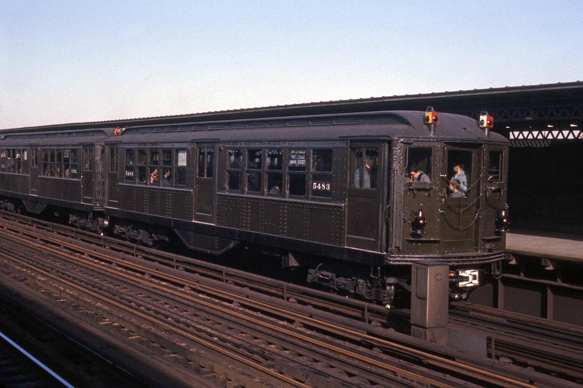 (481k, 1024x682)<br><b>Country:</b> United States<br><b>City:</b> New York<br><b>System:</b> New York City Transit<br><b>Route:</b> Fan Trip<br><b>Car:</b> Low-V (Museum Train) 5483 <br><b>Collection of:</b> David Pirmann<br><b>Date:</b> 11/14/1965<br><b>Viewed (this week/total):</b> 0 / 1939