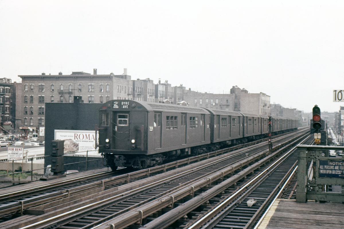 (383k, 1044x713)<br><b>Country:</b> United States<br><b>City:</b> New York<br><b>System:</b> New York City Transit<br><b>Line:</b> IRT White Plains Road Line<br><b>Location:</b> 174th Street <br><b>Route:</b> 2<br><b>Car:</b> R-22 (St. Louis, 1957-58) 7529 <br><b>Collection of:</b> David Pirmann<br><b>Viewed (this week/total):</b> 4 / 1106