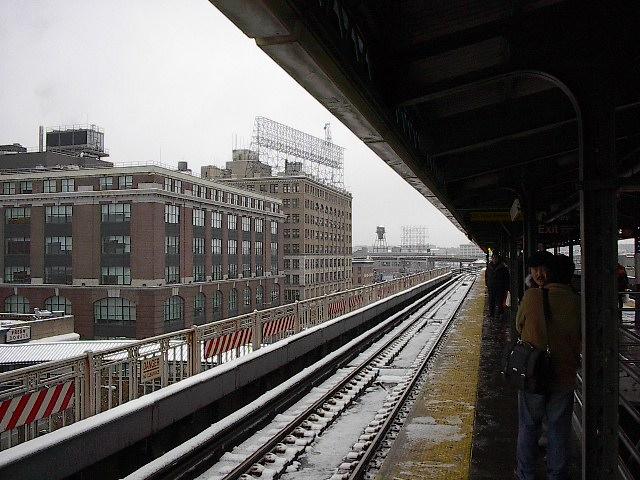 (103k, 640x480)<br><b>Country:</b> United States<br><b>City:</b> New York<br><b>System:</b> New York City Transit<br><b>Location:</b> Queensborough Plaza <br><b>Photo by:</b> Bruce Fedow<br><b>Date:</b> 12/4/2005<br><b>Notes:</b> View of north side of Queensborough Plz.<br><b>Viewed (this week/total):</b> 6 / 2647
