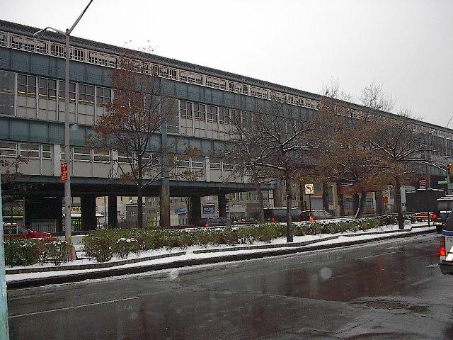 (113k, 640x480)<br><b>Country:</b> United States<br><b>City:</b> New York<br><b>System:</b> New York City Transit<br><b>Location:</b> Queensborough Plaza <br><b>Photo by:</b> Bruce Fedow<br><b>Date:</b> 12/4/2005<br><b>Notes:</b> View of north side of Queensborough Plz.<br><b>Viewed (this week/total):</b> 0 / 3587