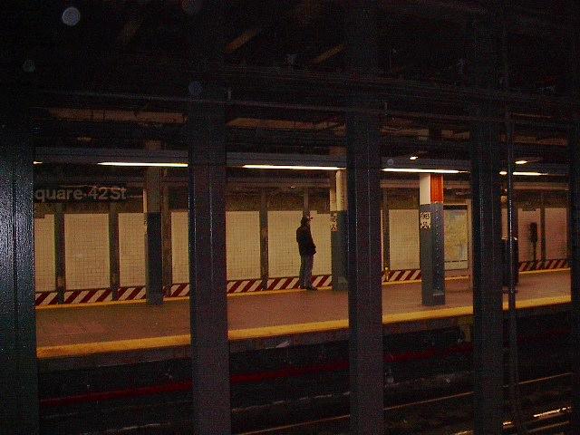 (82k, 640x480)<br><b>Country:</b> United States<br><b>City:</b> New York<br><b>System:</b> New York City Transit<br><b>Line:</b> BMT Broadway Line<br><b>Location:</b> Times Square/42nd Street <br><b>Photo by:</b> Bruce Fedow<br><b>Date:</b> 12/4/2005<br><b>Notes:</b> Uptown platform.<br><b>Viewed (this week/total):</b> 0 / 3066