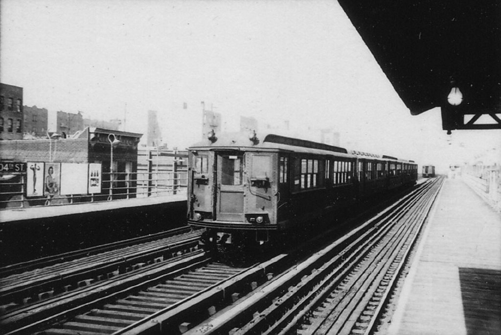 (139k, 1024x686)<br><b>Country:</b> United States<br><b>City:</b> New York<br><b>System:</b> New York City Transit<br><b>Line:</b> 3rd Avenue El<br><b>Location:</b> 204th Street <br><b>Car:</b> Low-V  <br><b>Photo by:</b> Herbert P. Maruska<br><b>Date:</b> 4/1964<br><b>Viewed (this week/total):</b> 1 / 2446