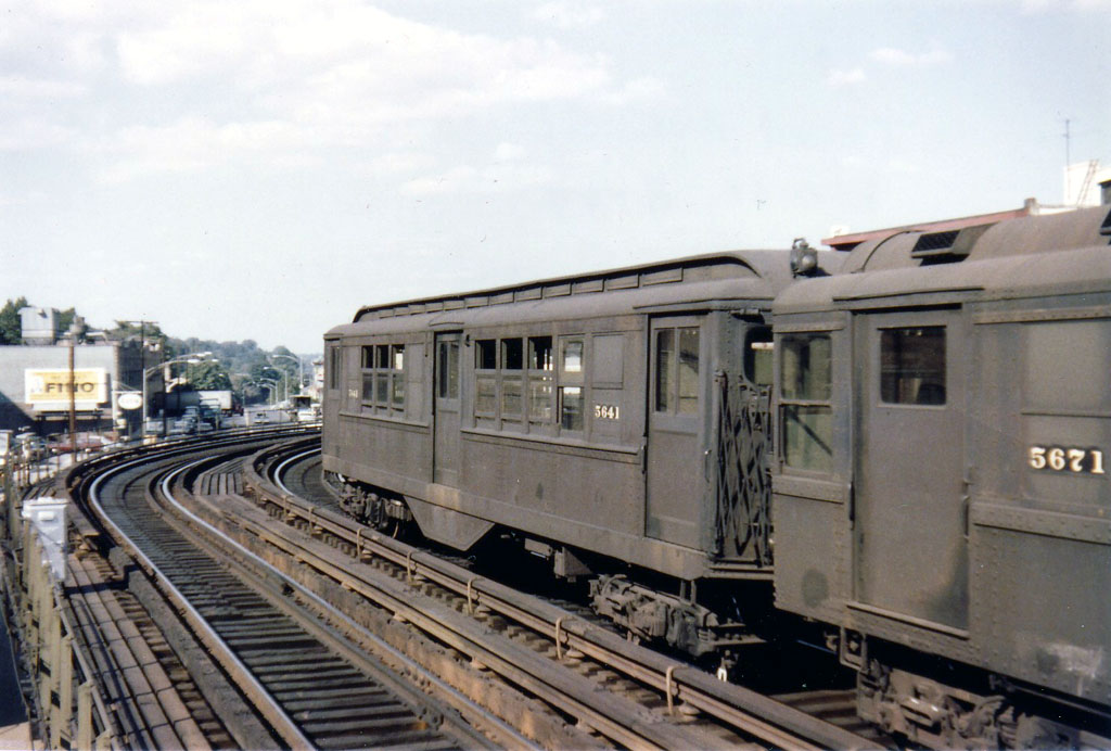 (153k, 1024x692)<br><b>Country:</b> United States<br><b>City:</b> New York<br><b>System:</b> New York City Transit<br><b>Line:</b> 3rd Avenue El<br><b>Location:</b> 210th Street <br><b>Car:</b> Low-V 5641 <br><b>Photo by:</b> Herbert P. Maruska<br><b>Date:</b> 9/1964<br><b>Viewed (this week/total):</b> 3 / 2767