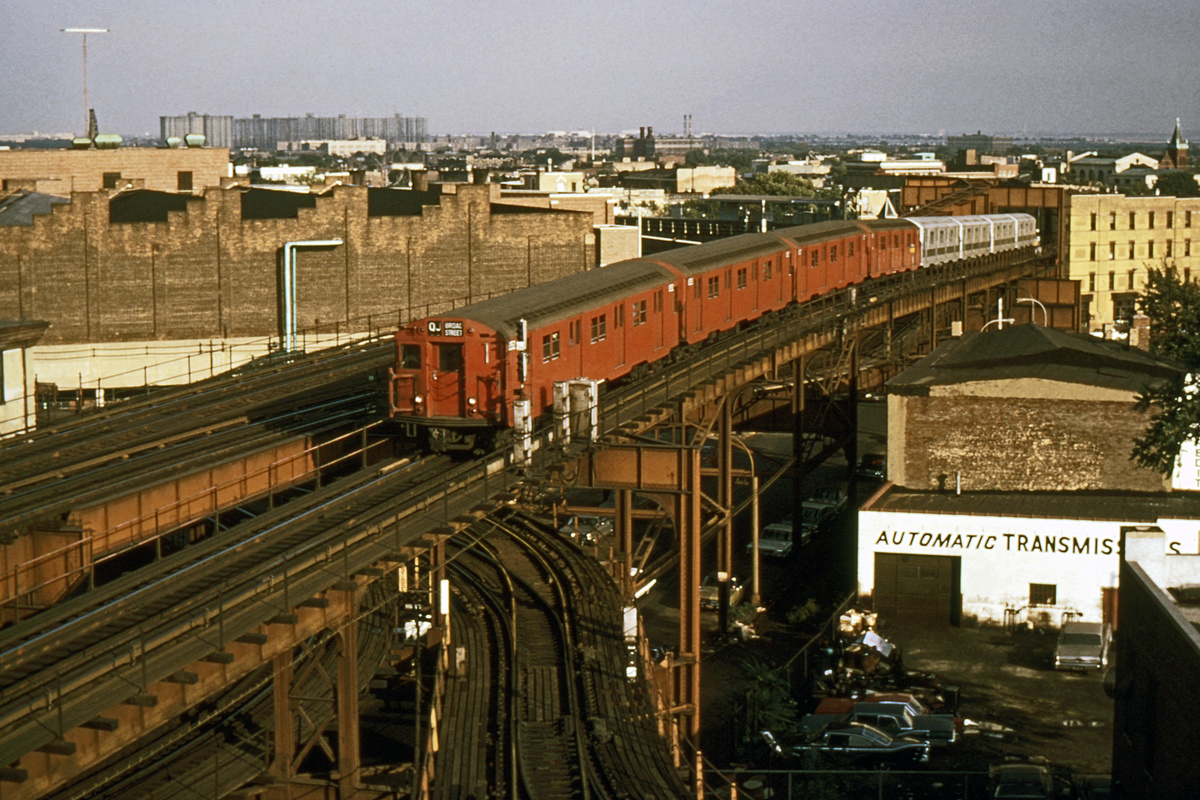 (454k, 1024x683)<br><b>Country:</b> United States<br><b>City:</b> New York<br><b>System:</b> New York City Transit<br><b>Line:</b> BMT Nassau Street/Jamaica Line<br><b>Location:</b> Broadway/East New York (Broadway Junction) <br><b>Route:</b> QJ<br><b>Car:</b> R-30 (St. Louis, 1961) 8352 <br><b>Photo by:</b> Richard Short<br><b>Collection of:</b> David Pirmann<br><b>Viewed (this week/total):</b> 0 / 3481