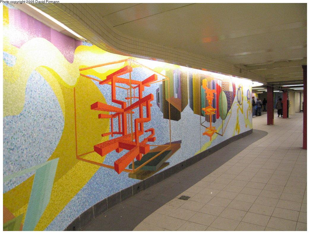 (202k, 1044x788)<br><b>Country:</b> United States<br><b>City:</b> New York<br><b>System:</b> New York City Transit<br><b>Location:</b> 51st-53rd & Lex IRT-IND Transfer<br><b>Photo by:</b> David Pirmann<br><b>Date:</b> 12/30/2005<br><b>Artwork:</b> <i>Passing Through</i>, Al Held (2004).<br><b>Viewed (this week/total):</b> 0 / 2482