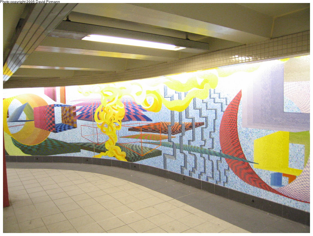 (190k, 1044x788)<br><b>Country:</b> United States<br><b>City:</b> New York<br><b>System:</b> New York City Transit<br><b>Location:</b> 51st-53rd & Lex IRT-IND Transfer<br><b>Photo by:</b> David Pirmann<br><b>Date:</b> 12/30/2005<br><b>Artwork:</b> <i>Passing Through</i>, Al Held (2004).<br><b>Viewed (this week/total):</b> 1 / 2501