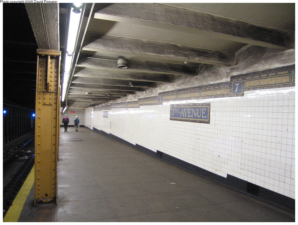 (173k, 1044x788)<br><b>Country:</b> United States<br><b>City:</b> New York<br><b>System:</b> New York City Transit<br><b>Line:</b> BMT Brighton Line<br><b>Location:</b> 7th Avenue <br><b>Photo by:</b> David Pirmann<br><b>Date:</b> 12/30/2005<br><b>Notes:</b> North end of northbound platform.<br><b>Viewed (this week/total):</b> 1 / 2727