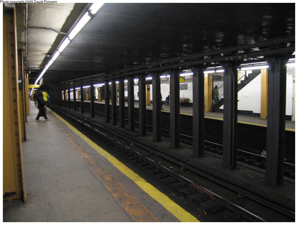 (170k, 1044x788)<br><b>Country:</b> United States<br><b>City:</b> New York<br><b>System:</b> New York City Transit<br><b>Line:</b> BMT Brighton Line<br><b>Location:</b> 7th Avenue <br><b>Photo by:</b> David Pirmann<br><b>Date:</b> 12/30/2005<br><b>Viewed (this week/total):</b> 0 / 3186