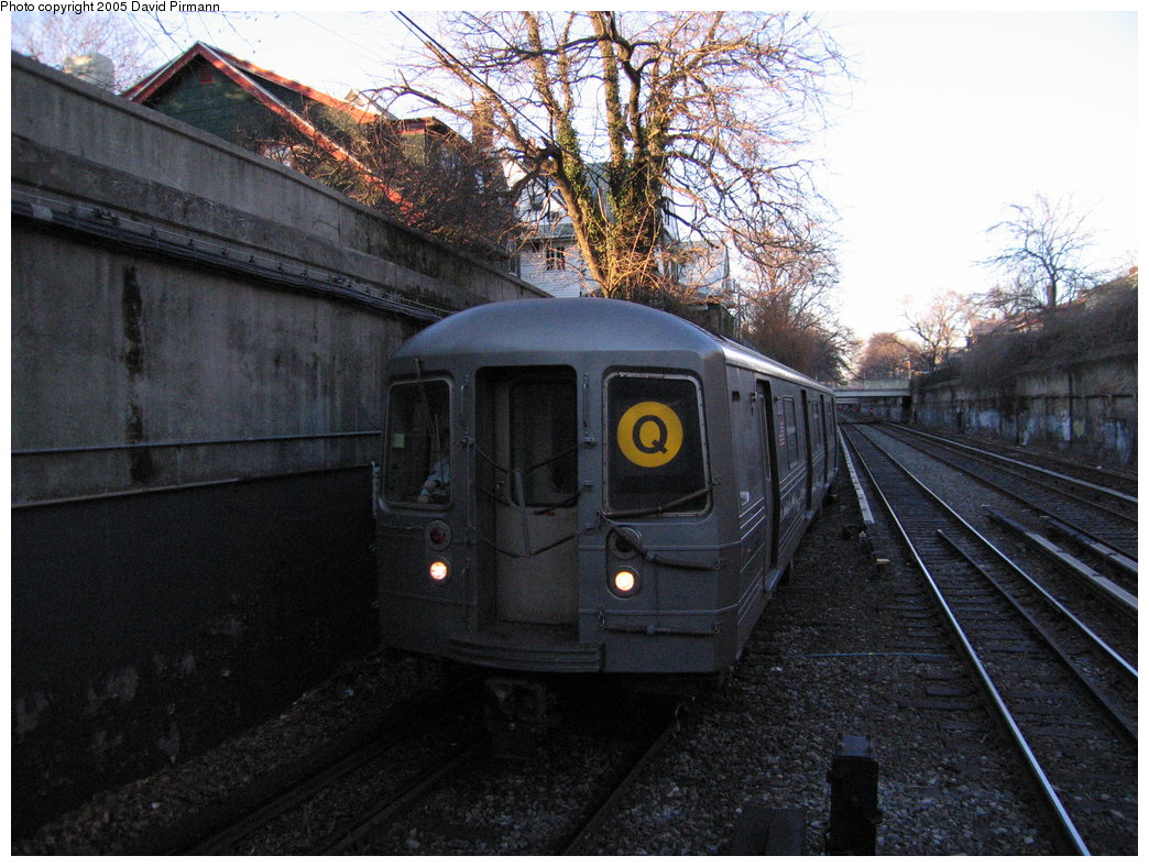 (211k, 1044x788)<br><b>Country:</b> United States<br><b>City:</b> New York<br><b>System:</b> New York City Transit<br><b>Line:</b> BMT Brighton Line<br><b>Location:</b> Newkirk Plaza (fmrly Newkirk Ave.) <br><b>Route:</b> Q<br><b>Car:</b> R-68 (Westinghouse-Amrail, 1986-1988)  2850 <br><b>Photo by:</b> David Pirmann<br><b>Date:</b> 12/30/2005<br><b>Viewed (this week/total):</b> 1 / 2914