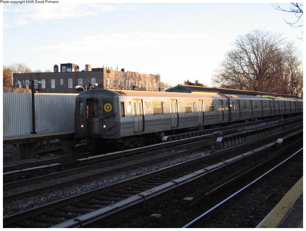 (179k, 1044x788)<br><b>Country:</b> United States<br><b>City:</b> New York<br><b>System:</b> New York City Transit<br><b>Line:</b> BMT Brighton Line<br><b>Location:</b> Avenue M <br><b>Route:</b> Q<br><b>Car:</b> R-68A (Kawasaki, 1988-1989)  5132 <br><b>Photo by:</b> David Pirmann<br><b>Date:</b> 12/30/2005<br><b>Viewed (this week/total):</b> 2 / 2638