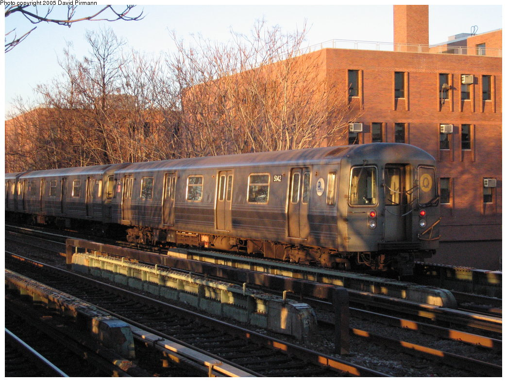 (237k, 1044x788)<br><b>Country:</b> United States<br><b>City:</b> New York<br><b>System:</b> New York City Transit<br><b>Line:</b> BMT Brighton Line<br><b>Location:</b> Avenue M <br><b>Route:</b> Q<br><b>Car:</b> R-68A (Kawasaki, 1988-1989)  5142 <br><b>Photo by:</b> David Pirmann<br><b>Date:</b> 12/30/2005<br><b>Viewed (this week/total):</b> 7 / 2572