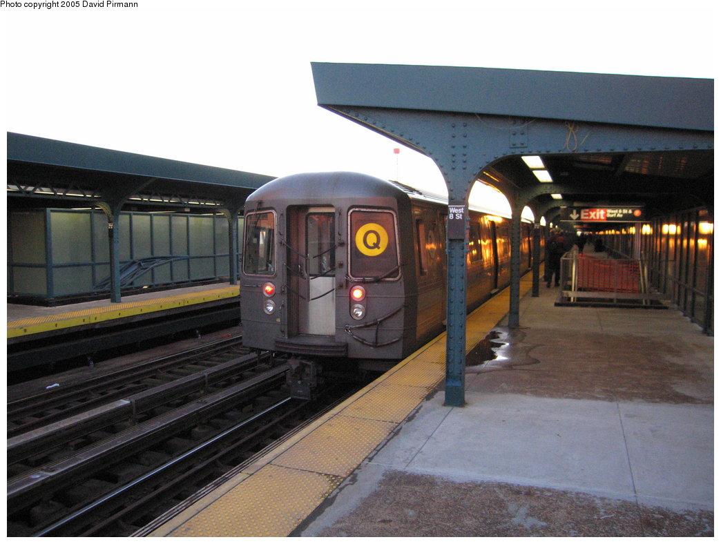 (163k, 1044x788)<br><b>Country:</b> United States<br><b>City:</b> New York<br><b>System:</b> New York City Transit<br><b>Line:</b> BMT Brighton Line<br><b>Location:</b> West 8th Street <br><b>Route:</b> Q<br><b>Car:</b> R-68/R-68A Series (Number Unknown)  <br><b>Photo by:</b> David Pirmann<br><b>Date:</b> 12/30/2005<br><b>Viewed (this week/total):</b> 1 / 2657