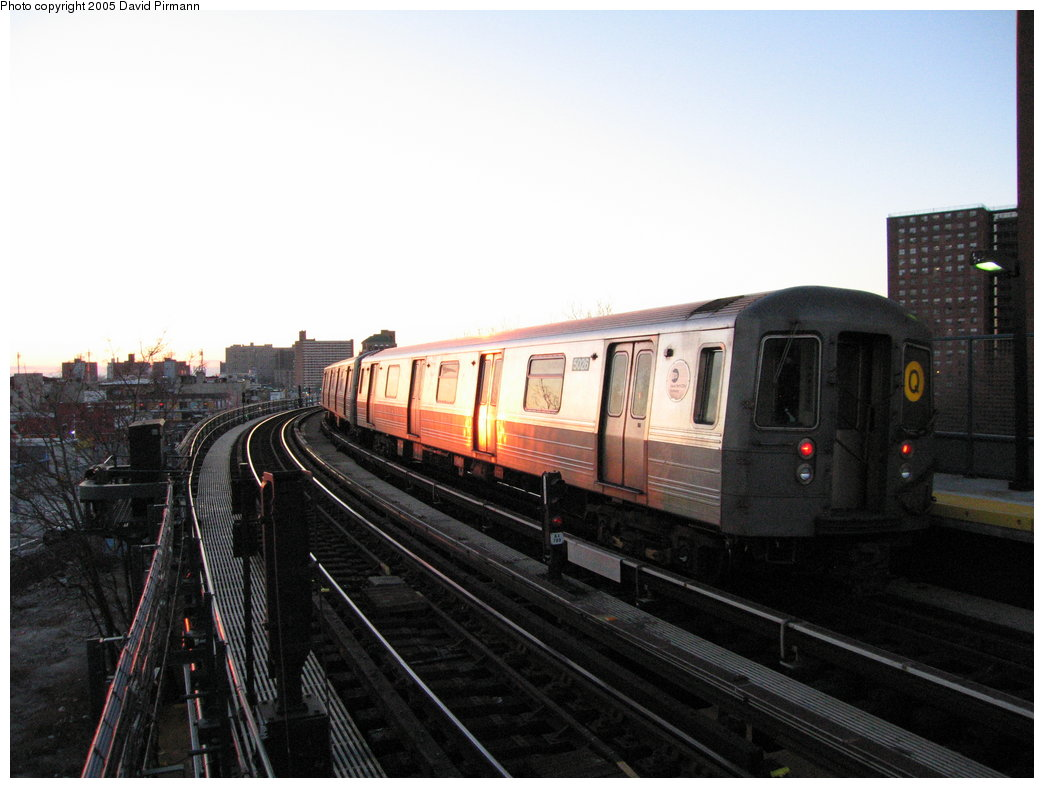 (139k, 1044x788)<br><b>Country:</b> United States<br><b>City:</b> New York<br><b>System:</b> New York City Transit<br><b>Line:</b> BMT Brighton Line<br><b>Location:</b> West 8th Street <br><b>Route:</b> Q<br><b>Car:</b> R-68A (Kawasaki, 1988-1989)  5026 <br><b>Photo by:</b> David Pirmann<br><b>Date:</b> 12/30/2005<br><b>Viewed (this week/total):</b> 2 / 3205