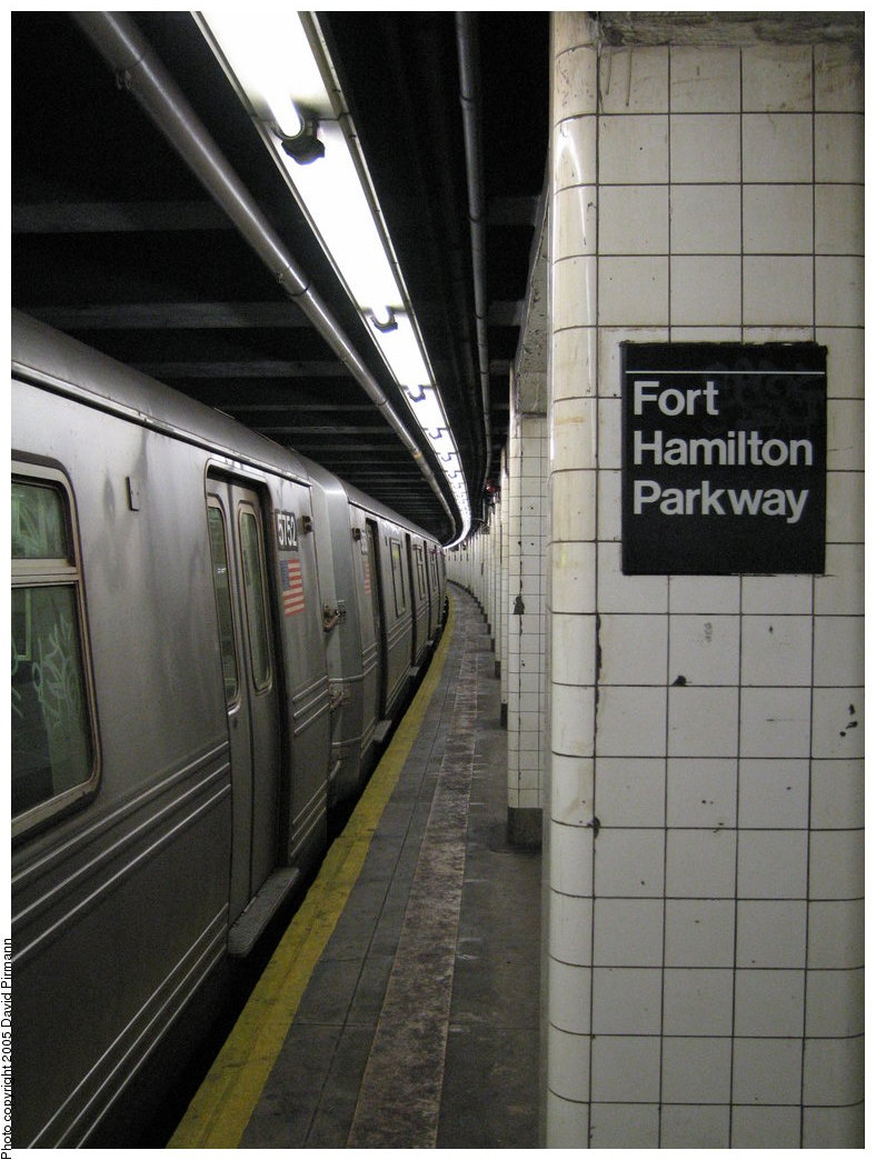 (168k, 788x1044)<br><b>Country:</b> United States<br><b>City:</b> New York<br><b>System:</b> New York City Transit<br><b>Line:</b> IND Crosstown Line<br><b>Location:</b> Fort Hamilton Parkway <br><b>Route:</b> F<br><b>Car:</b> R-46 (Pullman-Standard, 1974-75) 5752 <br><b>Photo by:</b> David Pirmann<br><b>Date:</b> 12/30/2005<br><b>Viewed (this week/total):</b> 3 / 3306