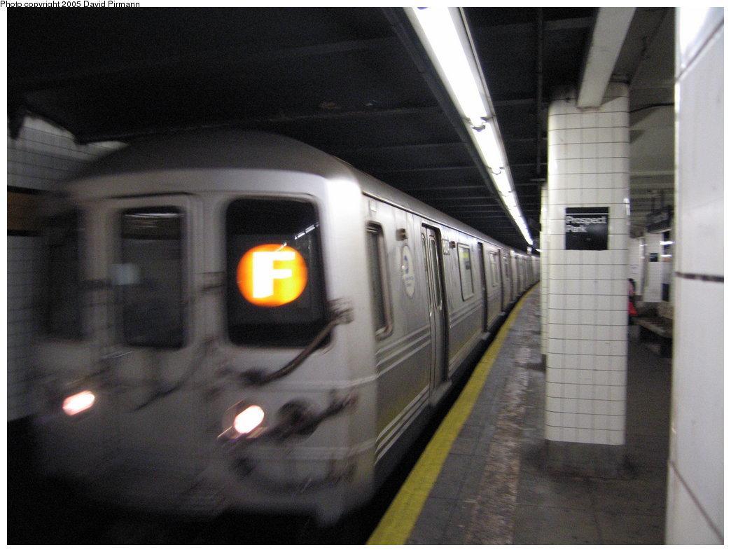 (141k, 1044x788)<br><b>Country:</b> United States<br><b>City:</b> New York<br><b>System:</b> New York City Transit<br><b>Line:</b> IND Crosstown Line<br><b>Location:</b> 15th Street/Prospect Park <br><b>Route:</b> F<br><b>Car:</b> R-46 (Pullman-Standard, 1974-75) 6078 <br><b>Photo by:</b> David Pirmann<br><b>Date:</b> 12/30/2005<br><b>Viewed (this week/total):</b> 0 / 2954