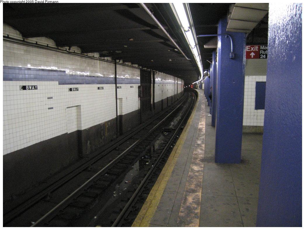 (167k, 1044x788)<br><b>Country:</b> United States<br><b>City:</b> New York<br><b>System:</b> New York City Transit<br><b>Line:</b> IND 6th Avenue Line<br><b>Location:</b> East Broadway <br><b>Photo by:</b> David Pirmann<br><b>Date:</b> 12/30/2005<br><b>Viewed (this week/total):</b> 0 / 2874