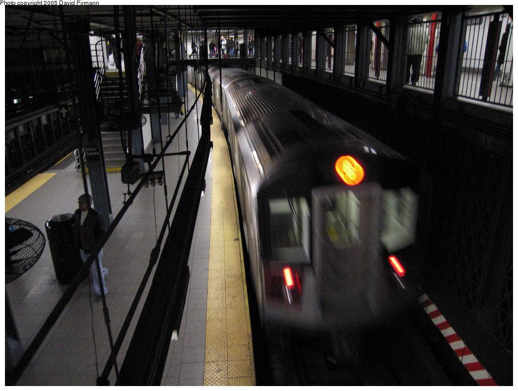 (167k, 1044x788)<br><b>Country:</b> United States<br><b>City:</b> New York<br><b>System:</b> New York City Transit<br><b>Line:</b> IRT East Side Line<br><b>Location:</b> 14th Street/Union Square <br><b>Route:</b> 6<br><b>Car:</b> R-142 or R-142A (Number Unknown)  <br><b>Photo by:</b> David Pirmann<br><b>Date:</b> 12/30/2005<br><b>Viewed (this week/total):</b> 0 / 4272
