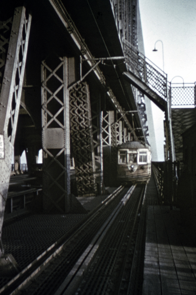 (212k, 688x1024)<br><b>Country:</b> United States<br><b>City:</b> New York<br><b>System:</b> Queensborough Bridge Railway<br><b>Location:</b> Queensborough Bridge <br><b>Collection of:</b> David Pirmann<br><b>Viewed (this week/total):</b> 3 / 4899
