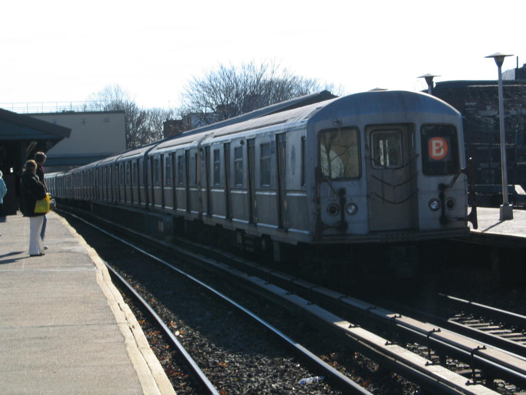 (95k, 1024x768)<br><b>Country:</b> United States<br><b>City:</b> New York<br><b>System:</b> New York City Transit<br><b>Line:</b> BMT Brighton Line<br><b>Location:</b> Kings Highway <br><b>Route:</b> B<br><b>Car:</b> R-40M (St. Louis, 1969)  4455 <br><b>Photo by:</b> Neil Feldman<br><b>Date:</b> 12/30/2005<br><b>Viewed (this week/total):</b> 1 / 2539