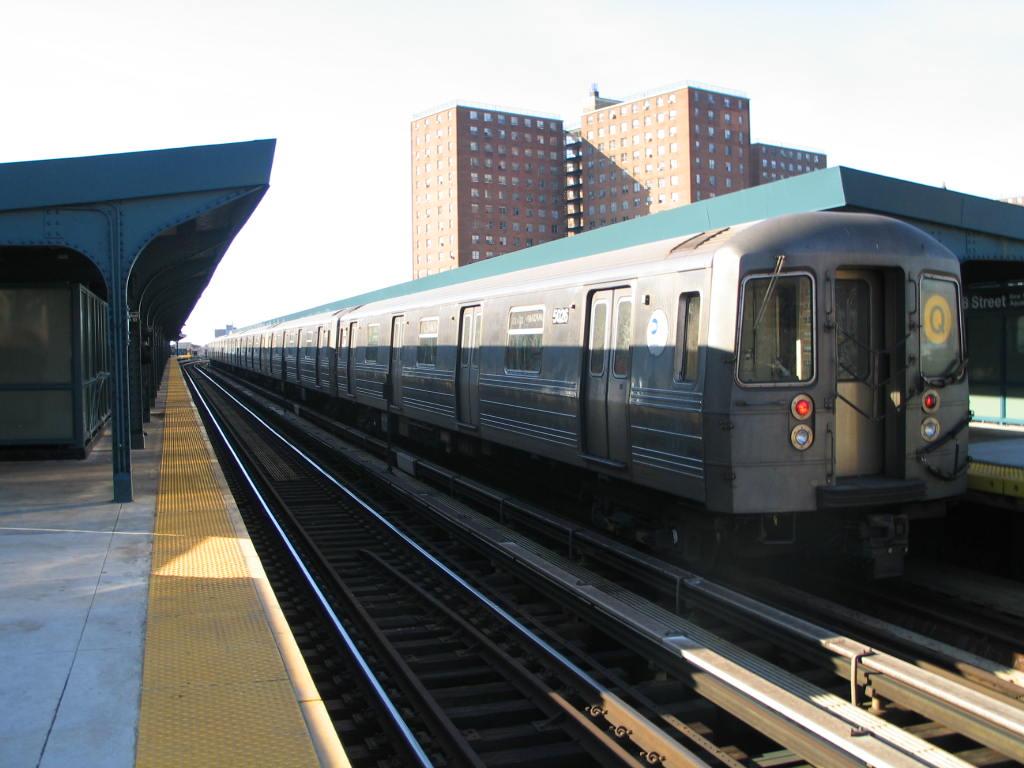 (107k, 1024x768)<br><b>Country:</b> United States<br><b>City:</b> New York<br><b>System:</b> New York City Transit<br><b>Line:</b> BMT Brighton Line<br><b>Location:</b> West 8th Street <br><b>Route:</b> Q<br><b>Car:</b> R-68A (Kawasaki, 1988-1989)  5026 <br><b>Photo by:</b> Neil Feldman<br><b>Date:</b> 12/30/2005<br><b>Viewed (this week/total):</b> 2 / 2207
