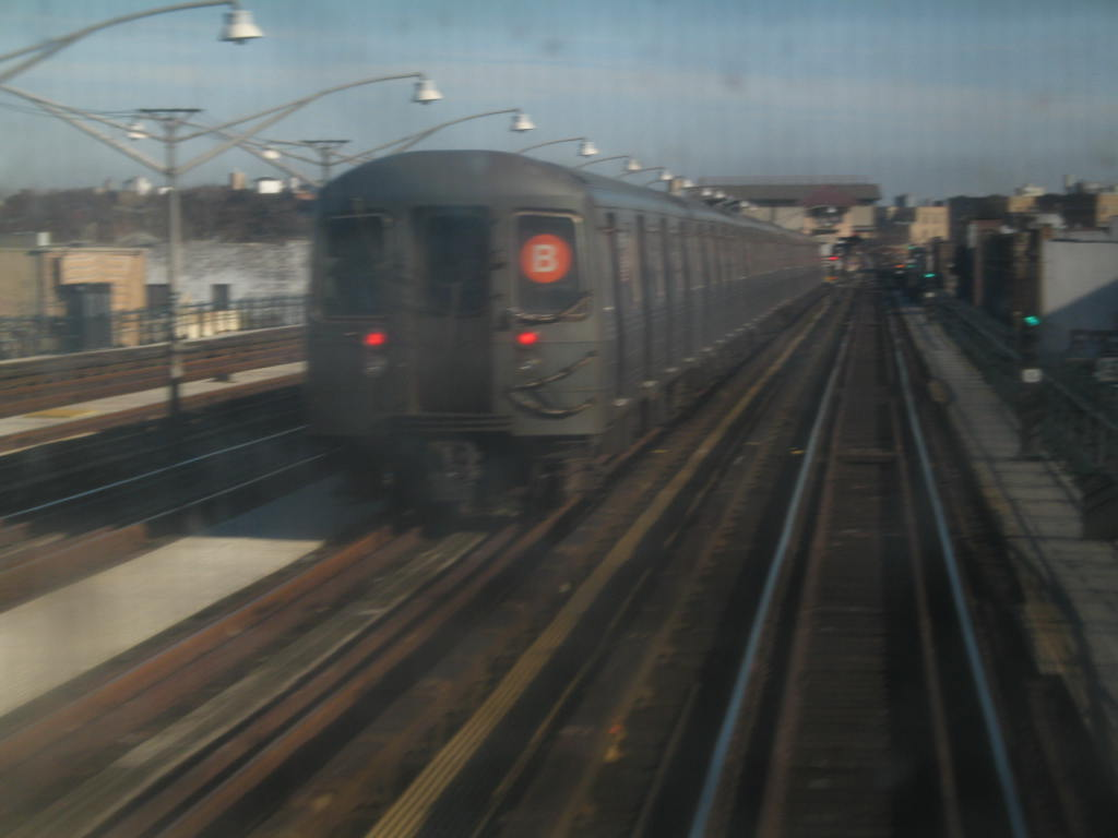 (62k, 1024x768)<br><b>Country:</b> United States<br><b>City:</b> New York<br><b>System:</b> New York City Transit<br><b>Line:</b> BMT Brighton Line<br><b>Location:</b> Brighton Beach <br><b>Route:</b> B<br><b>Car:</b> R-68A (Kawasaki, 1988-1989)  5196 <br><b>Photo by:</b> Neil Feldman<br><b>Date:</b> 12/30/2005<br><b>Notes:</b> R68A train signed up for the B.<br><b>Viewed (this week/total):</b> 1 / 4958