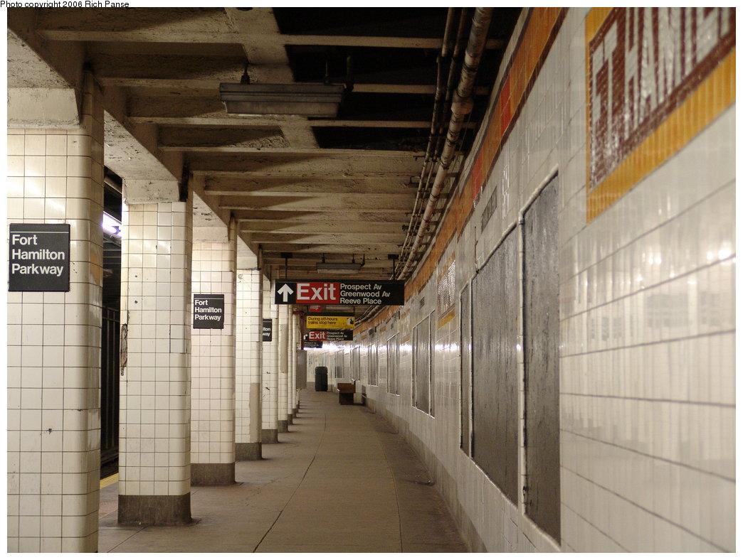 (180k, 1044x788)<br><b>Country:</b> United States<br><b>City:</b> New York<br><b>System:</b> New York City Transit<br><b>Line:</b> IND Crosstown Line<br><b>Location:</b> Fort Hamilton Parkway <br><b>Photo by:</b> Richard Panse<br><b>Date:</b> 12/30/2005<br><b>Viewed (this week/total):</b> 3 / 2391