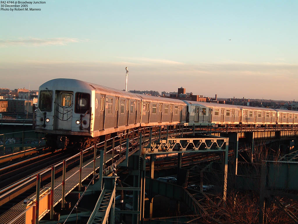 (170k, 1024x768)<br><b>Country:</b> United States<br><b>City:</b> New York<br><b>System:</b> New York City Transit<br><b>Line:</b> BMT Canarsie Line<br><b>Location:</b> Broadway Junction <br><b>Car:</b> R-42 (St. Louis, 1969-1970)  4744 <br><b>Photo by:</b> Robert Marrero<br><b>Date:</b> 12/30/2005<br><b>Viewed (this week/total):</b> 2 / 4947