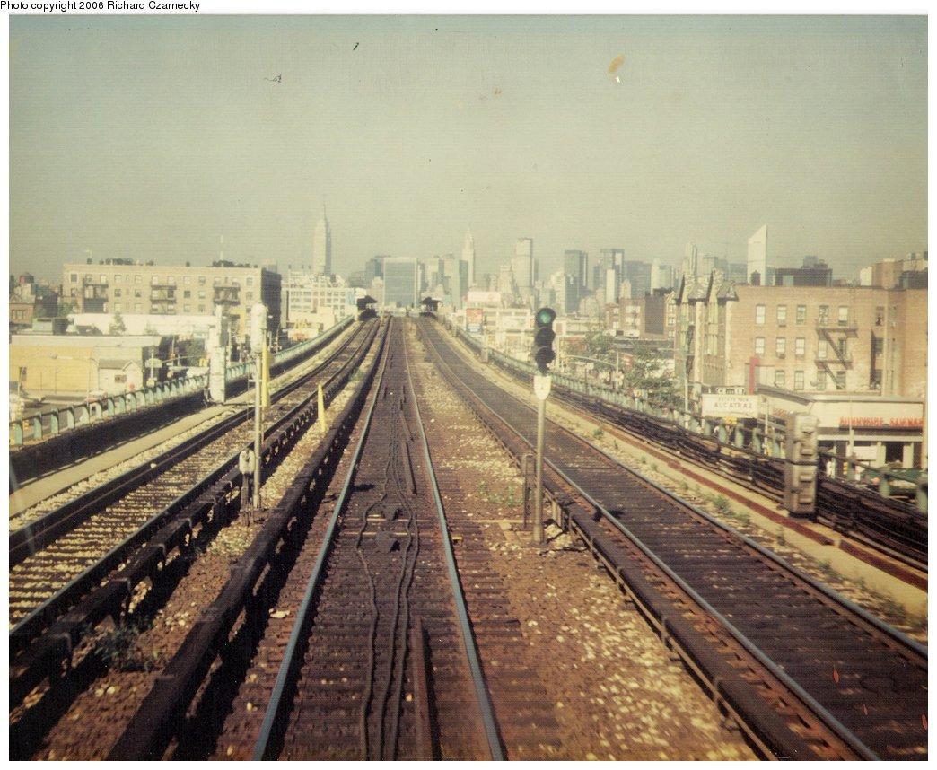 (181k, 1044x858)<br><b>Country:</b> United States<br><b>City:</b> New York<br><b>System:</b> New York City Transit<br><b>Line:</b> IRT Flushing Line<br><b>Location:</b> 46th Street/Bliss Street <br><b>Photo by:</b> Richard Czarnecky<br><b>Date:</b> 8/1979<br><b>Viewed (this week/total):</b> 0 / 2237
