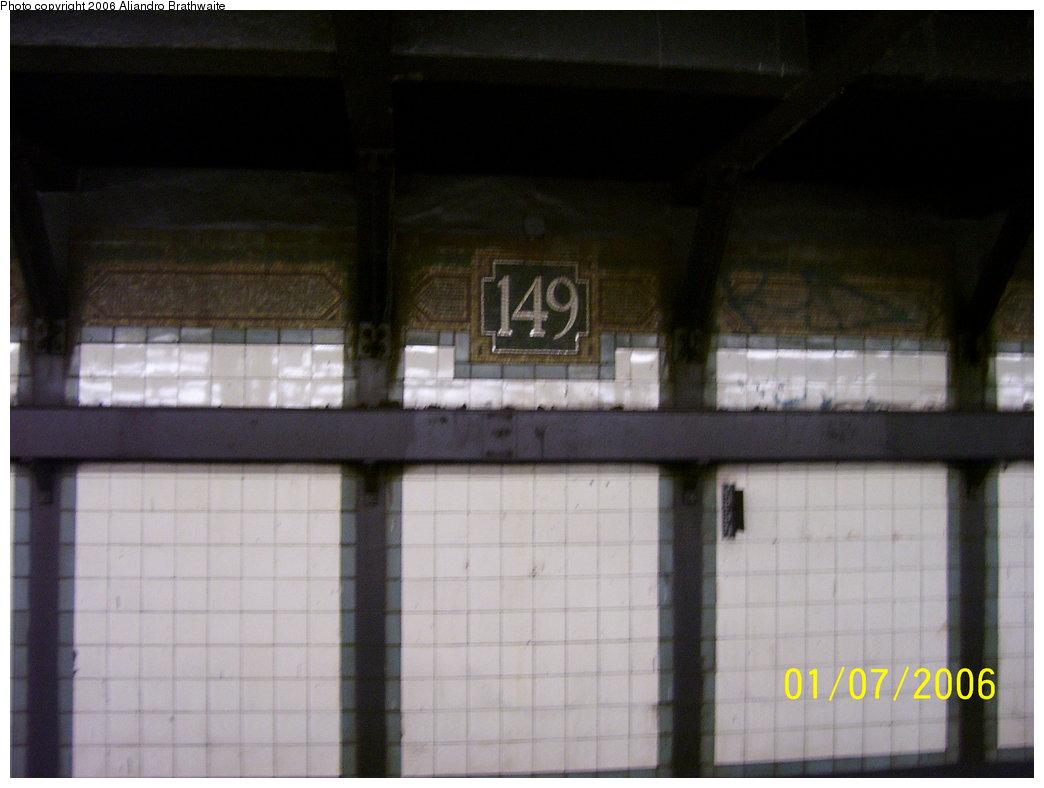 (119k, 1044x788)<br><b>Country:</b> United States<br><b>City:</b> New York<br><b>System:</b> New York City Transit<br><b>Line:</b> IRT Woodlawn Line<br><b>Location:</b> 149th Street/Grand Concourse <br><b>Photo by:</b> Aliandro Brathwaite<br><b>Date:</b> 1/7/2006<br><b>Viewed (this week/total):</b> 1 / 2100