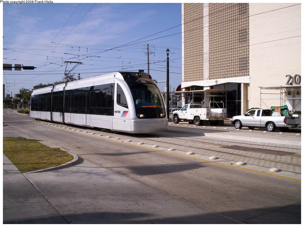 (202k, 1044x780)<br><b>Country:</b> United States<br><b>City:</b> Houston, TX<br><b>System:</b> Houston METRORail<br><b>Location:</b> Main & Gray <br><b>Car:</b> Siemens Avanto 105 <br><b>Photo by:</b> Frank Hicks<br><b>Date:</b> 1/9/2006<br><b>Viewed (this week/total):</b> 1 / 2709