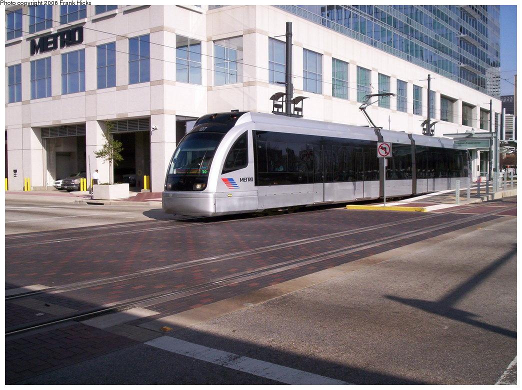 (206k, 1044x780)<br><b>Country:</b> United States<br><b>City:</b> Houston, TX<br><b>System:</b> Houston METRORail<br><b>Location:</b> Downtown Transit Center <br><b>Car:</b> Siemens Avanto 107 <br><b>Photo by:</b> Frank Hicks<br><b>Date:</b> 1/9/2006<br><b>Viewed (this week/total):</b> 1 / 3065