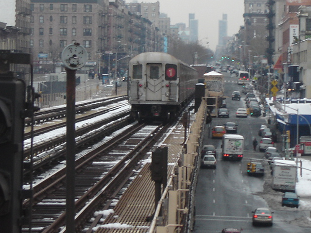 (145k, 640x480)<br><b>Country:</b> United States<br><b>City:</b> New York<br><b>System:</b> New York City Transit<br><b>Line:</b> IRT West Side Line<br><b>Location:</b> 125th Street <br><b>Route:</b> 1<br><b>Car:</b> R-62A (Bombardier, 1984-1987)   <br><b>Photo by:</b> DeAndre Burrell<br><b>Date:</b> 12/11/2005<br><b>Viewed (this week/total):</b> 0 / 4840