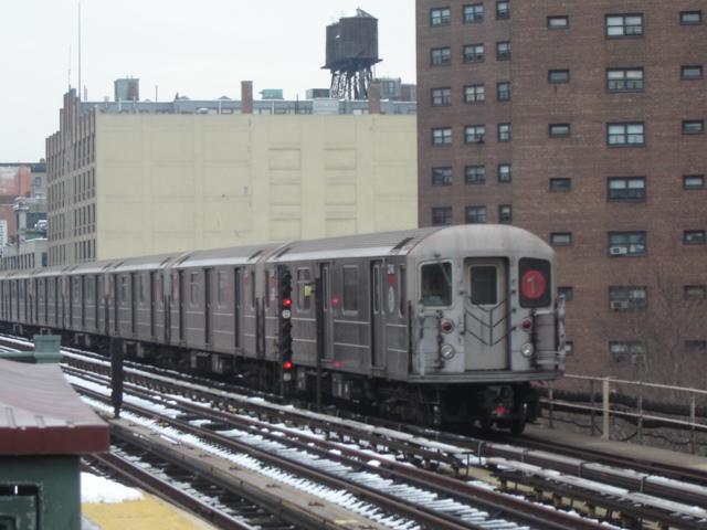 (135k, 640x480)<br><b>Country:</b> United States<br><b>City:</b> New York<br><b>System:</b> New York City Transit<br><b>Line:</b> IRT West Side Line<br><b>Location:</b> 125th Street <br><b>Route:</b> 1<br><b>Car:</b> R-62A (Bombardier, 1984-1987)   <br><b>Photo by:</b> DeAndre Burrell<br><b>Date:</b> 12/11/2005<br><b>Viewed (this week/total):</b> 1 / 2790