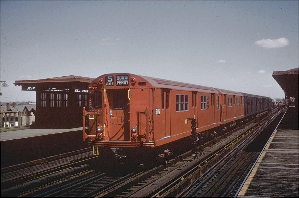 (193k, 1024x679)<br><b>Country:</b> United States<br><b>City:</b> New York<br><b>System:</b> New York City Transit<br><b>Line:</b> IRT White Plains Road Line<br><b>Location:</b> 238th Street (Nereid Avenue) <br><b>Route:</b> 5<br><b>Car:</b> R-33 Main Line (St. Louis, 1962-63) 9174 <br><b>Collection of:</b> Joe Testagrose<br><b>Viewed (this week/total):</b> 2 / 3302