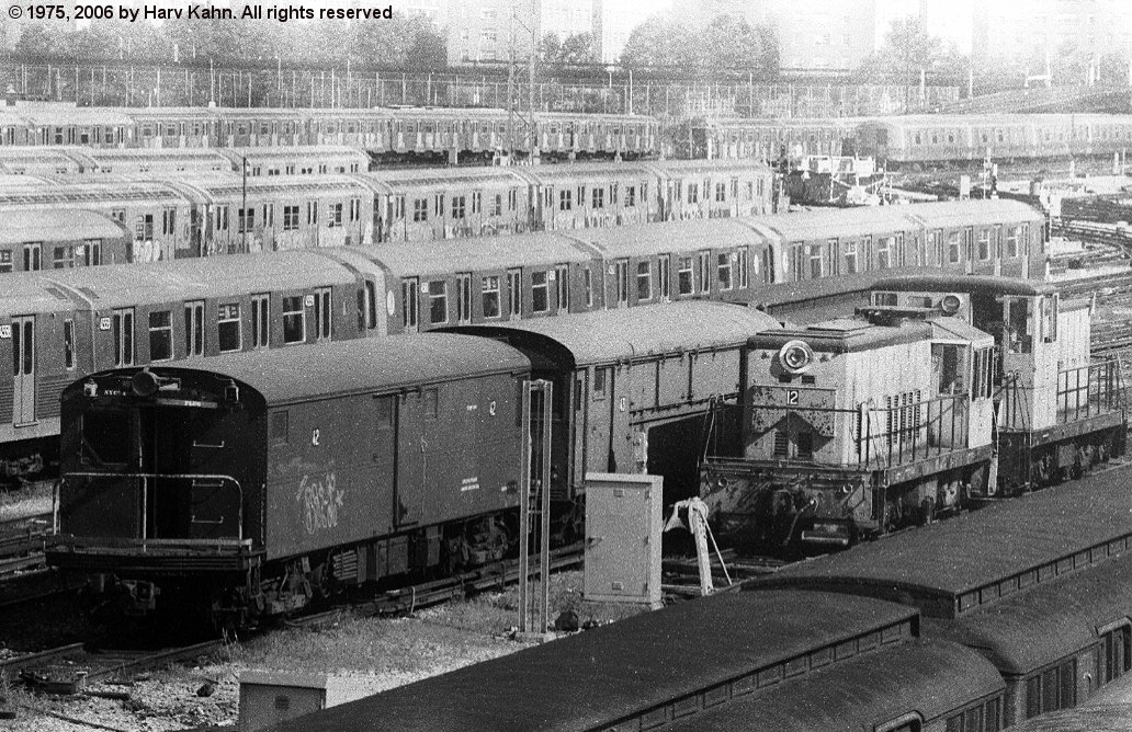 (240k, 1032x668)<br><b>Country:</b> United States<br><b>City:</b> New York<br><b>System:</b> New York City Transit<br><b>Location:</b> Coney Island Yard<br><b>Car:</b> Tool Welding Car (ACF, 1918)  42 (ex-5000)<br><b>Photo by:</b> Harv Kahn<br><b>Date:</b> 7/26/1975<br><b>Viewed (this week/total):</b> 0 / 2352