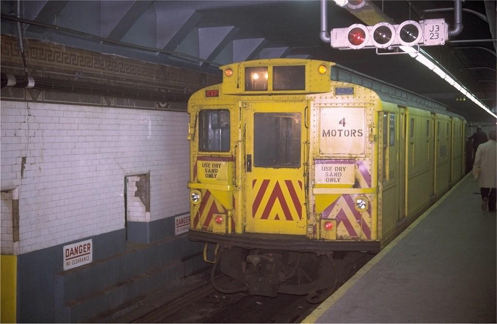 (165k, 1024x668)<br><b>Country:</b> United States<br><b>City:</b> New York<br><b>System:</b> New York City Transit<br><b>Line:</b> BMT Nassau Street/Jamaica Line<br><b>Location:</b> Canal Street <br><b>Route:</b> Work Service<br><b>Car:</b> R-4 (American Car & Foundry, 1932-1933) WM553 (ex-476)<br><b>Photo by:</b> Doug Grotjahn<br><b>Collection of:</b> Joe Testagrose<br><b>Date:</b> 11/3/1970<br><b>Viewed (this week/total):</b> 0 / 3701