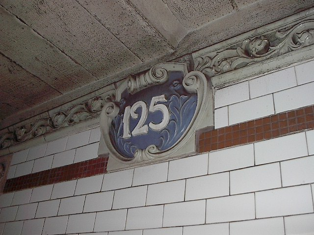 (103k, 640x480)<br><b>Country:</b> United States<br><b>City:</b> New York<br><b>System:</b> New York City Transit<br><b>Line:</b> IRT Lenox Line<br><b>Location:</b> 125th Street <br><b>Photo by:</b> Bruce Fedow<br><b>Date:</b> 1/19/2006<br><b>Viewed (this week/total):</b> 0 / 1747