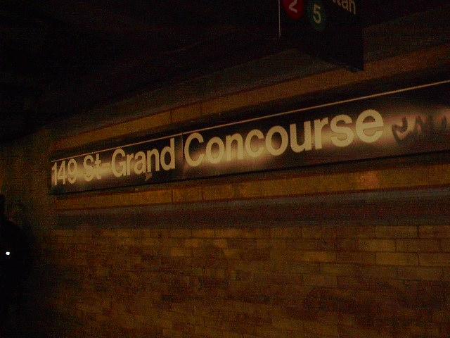 (73k, 640x480)<br><b>Country:</b> United States<br><b>City:</b> New York<br><b>System:</b> New York City Transit<br><b>Line:</b> IRT White Plains Road Line<br><b>Location:</b> 149th Street/Grand Concourse (Mott Avenue) <br><b>Photo by:</b> Bruce Fedow<br><b>Date:</b> 1/19/2006<br><b>Viewed (this week/total):</b> 0 / 2754