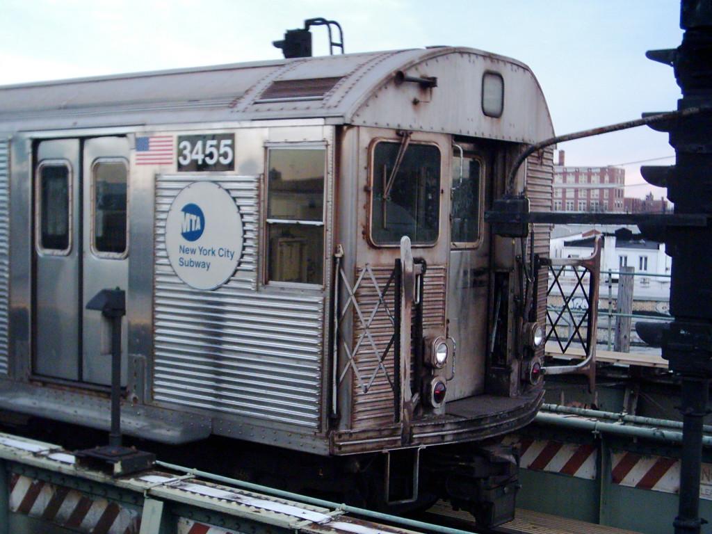 (237k, 1024x768)<br><b>Country:</b> United States<br><b>City:</b> New York<br><b>System:</b> New York City Transit<br><b>Route:</b> F<br><b>Car:</b> R-32 (Budd, 1964)  3455 <br><b>Photo by:</b> Michael Hodurski<br><b>Date:</b> 12/17/2005<br><b>Viewed (this week/total):</b> 0 / 3515