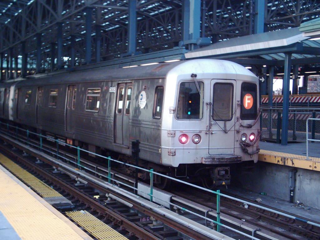 (256k, 1024x768)<br><b>Country:</b> United States<br><b>City:</b> New York<br><b>System:</b> New York City Transit<br><b>Location:</b> Coney Island/Stillwell Avenue<br><b>Route:</b> F<br><b>Car:</b> R-46 (Pullman-Standard, 1974-75) 6008 <br><b>Photo by:</b> Michael Hodurski<br><b>Date:</b> 12/17/2005<br><b>Viewed (this week/total):</b> 0 / 2875