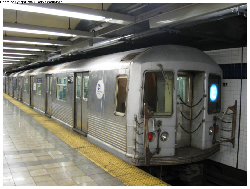 (123k, 820x620)<br><b>Country:</b> United States<br><b>City:</b> New York<br><b>System:</b> New York City Transit<br><b>Line:</b> IND 8th Avenue Line<br><b>Location:</b> Canal Street-Holland Tunnel <br><b>Route:</b> E<br><b>Car:</b> R-42 (St. Louis, 1969-1970)  4615 <br><b>Photo by:</b> Gary Chatterton<br><b>Date:</b> 10/2/2008<br><b>Viewed (this week/total):</b> 0 / 1821