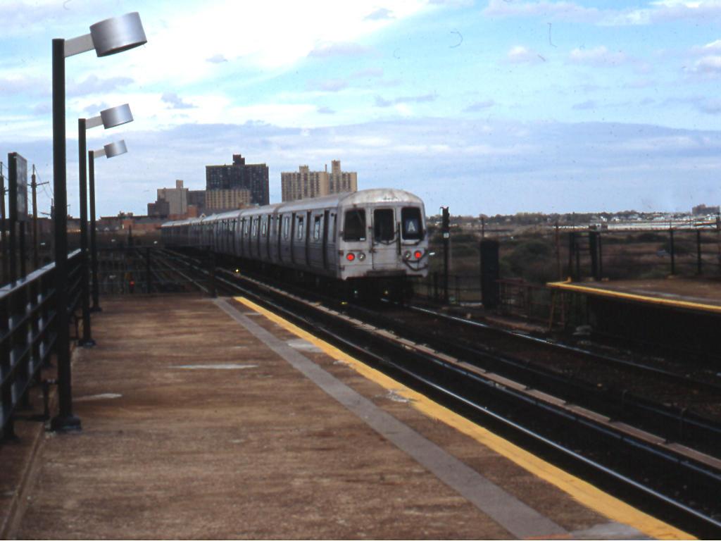 (110k, 1024x768)<br><b>Country:</b> United States<br><b>City:</b> New York<br><b>System:</b> New York City Transit<br><b>Line:</b> IND Rockaway<br><b>Location:</b> Beach 44th Street/Frank Avenue <br><b>Route:</b> A<br><b>Car:</b> R-44 (St. Louis, 1971-73)  <br><b>Photo by:</b> Mike Jiran<br><b>Date:</b> 4/2005<br><b>Viewed (this week/total):</b> 1 / 2851
