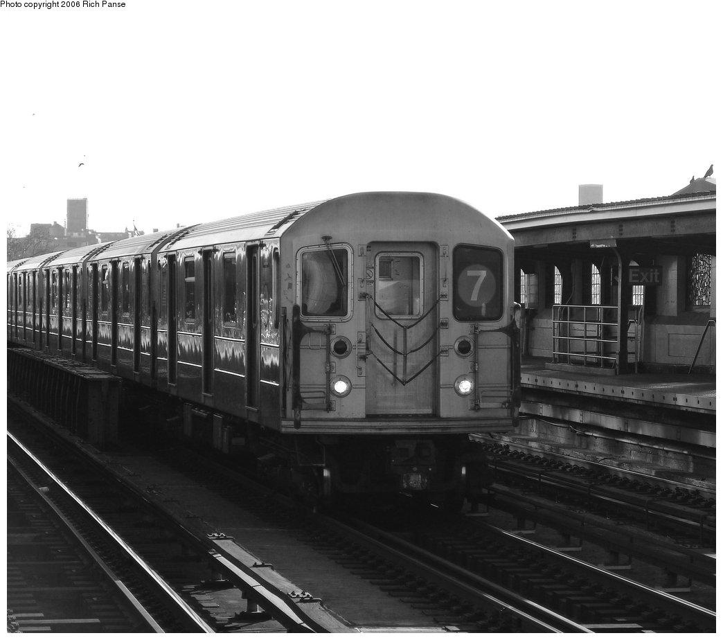 (147k, 1044x924)<br><b>Country:</b> United States<br><b>City:</b> New York<br><b>System:</b> New York City Transit<br><b>Line:</b> IRT Flushing Line<br><b>Location:</b> 46th Street/Bliss Street <br><b>Route:</b> 7<br><b>Car:</b> R-62A (Bombardier, 1984-1987)   <br><b>Photo by:</b> Richard Panse<br><b>Date:</b> 1/27/2006<br><b>Viewed (this week/total):</b> 0 / 2282