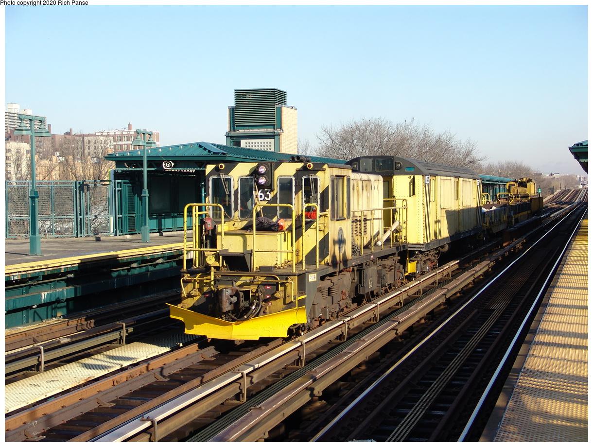 (296k, 1044x788)<br><b>Country:</b> United States<br><b>City:</b> New York<br><b>System:</b> New York City Transit<br><b>Line:</b> IRT Woodlawn Line<br><b>Location:</b> 161st Street/River Avenue (Yankee Stadium) <br><b>Route:</b> Work Service<br><b>Car:</b> R-47 Locomotive  63 <br><b>Photo by:</b> Richard Panse<br><b>Date:</b> 1/24/2006<br><b>Viewed (this week/total):</b> 0 / 2851