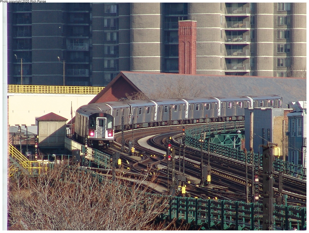 (339k, 1044x805)<br><b>Country:</b> United States<br><b>City:</b> New York<br><b>System:</b> New York City Transit<br><b>Line:</b> IRT Woodlawn Line<br><b>Location:</b> Bedford Park Boulevard <br><b>Route:</b> 4<br><b>Car:</b> R-142 or R-142A (Number Unknown)  <br><b>Photo by:</b> Richard Panse<br><b>Date:</b> 1/24/2006<br><b>Viewed (this week/total):</b> 2 / 5063