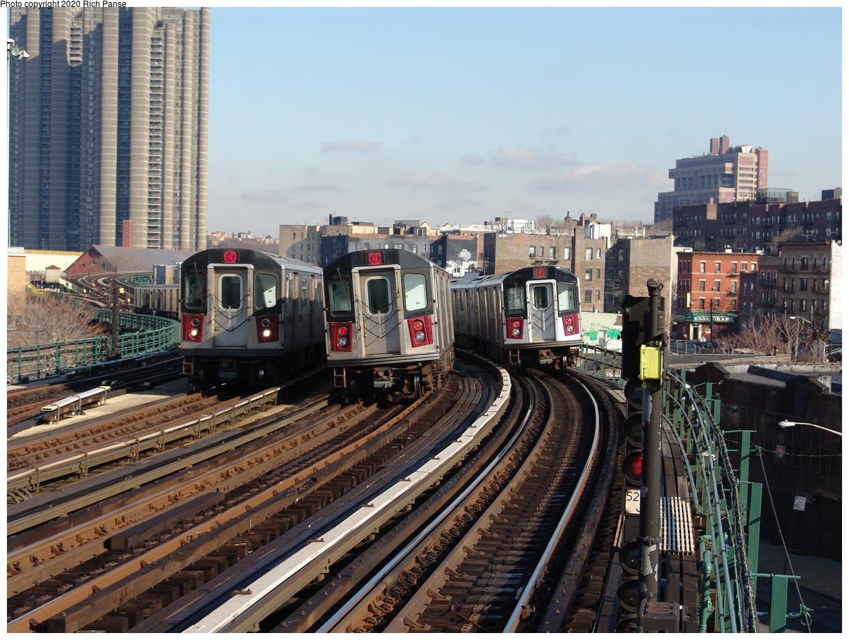 (288k, 1044x788)<br><b>Country:</b> United States<br><b>City:</b> New York<br><b>System:</b> New York City Transit<br><b>Line:</b> IRT Woodlawn Line<br><b>Location:</b> Bedford Park Boulevard <br><b>Route:</b> 4<br><b>Car:</b> R-142 or R-142A (Number Unknown)  <br><b>Photo by:</b> Richard Panse<br><b>Date:</b> 1/24/2006<br><b>Viewed (this week/total):</b> 0 / 5072