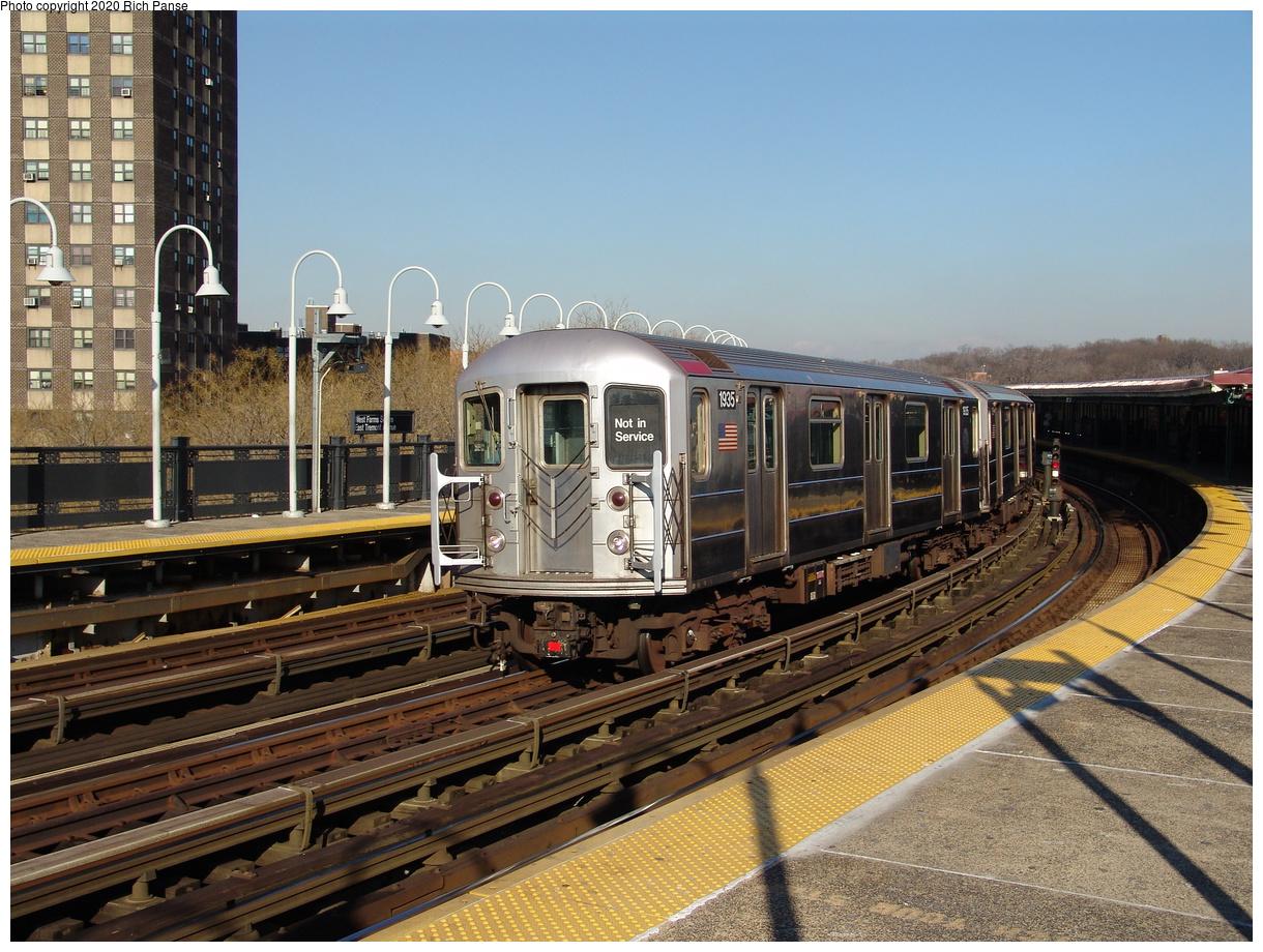 (275k, 1044x788)<br><b>Country:</b> United States<br><b>City:</b> New York<br><b>System:</b> New York City Transit<br><b>Line:</b> IRT White Plains Road Line<br><b>Location:</b> West Farms Sq./East Tremont Ave./177th St. <br><b>Route:</b> 2<br><b>Car:</b> R-62A (Bombardier, 1984-1987)  1935 <br><b>Photo by:</b> Richard Panse<br><b>Date:</b> 1/24/2006<br><b>Viewed (this week/total):</b> 0 / 4843